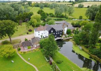 Mendham Mill - a fabulous holiday home over a river  - Mendham, Harleston,