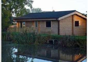 Briarcroft Fishery Lodge  - Preston,