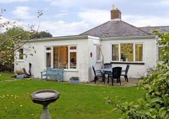 Driftwood Coastal Cottage, South Coast  - Milford-on-Sea,