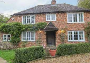Shepherd Holiday Farmhouse  - Lenham Heath,