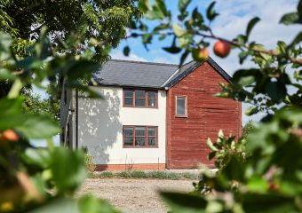 Field Cottage  - Kington,