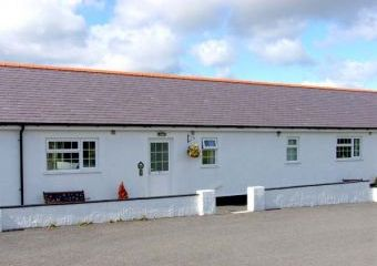 2 Black Horse Cottages Dogs-welcome Cottage, Pentraeth, North Wales   - Pentraeth,