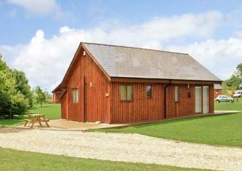 Birkdale Lodge Dogs-welcome Cottage, East Anglia   - Thorpe-On-The-Hill,