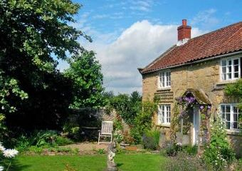 1 Corner Cottages Dogs-welcome Cottage, North York Moors & Coast   - Cropton,