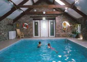 Gwynfryn Farm Cottages with Indoor Pool, Gym and Tennis Court  - Pwllheli,