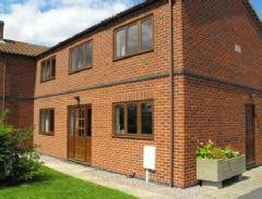Carp Cottage for fishing holidays  - Doddington,