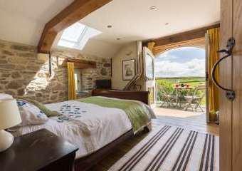 Luxurious Eco-friendly Holiday Barn - Cow Shed  - Haverfordwest,
