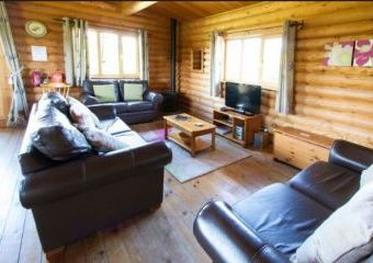 Large Greenfinch Holiday Lodge with Private Hot Tub  - Woodbridge,