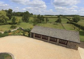 The Cotswold Manor Cottage, Exclusive Hot-Tub, Games/Event Barns, 70 acres of Parkland  - Oxford,