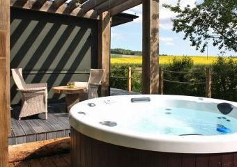 Chilterns View Hot Tub Lodges  - Ewelme,