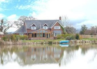 Lake View House  - Farndon,