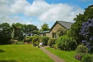 Garden Couple's Cottage  - Great Torrington,