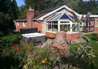 Meadow Lodge  - Llangunllo,