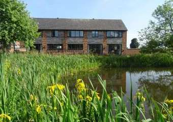 Buttercups Haybarn 5 Star Cottage with Indoor Pool & Toddler Play Area  - Whitchurch,