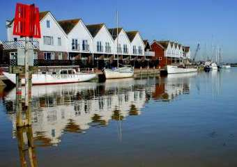The Boathouse Romantic Apartment  - Rye,