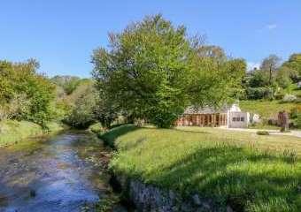 Lynhays Riverside Cottage  - Launceston,