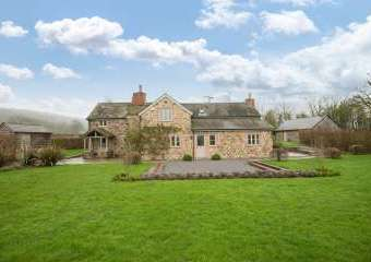 Sleeps 7+1, 5* Gold Cottage in rural location with shared games room   - Hereford,