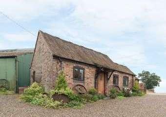 Rickyard Countryside Cottage, Heart Of England   - Leighton,