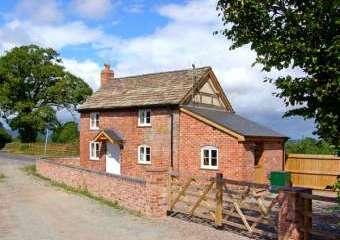 Point Cottage, Heart Of England   - Preston on Wye,