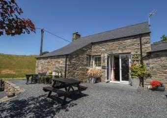 Garth Morthin Holiday Barn, near Snowdonia National Park  - Morfa Bychan,