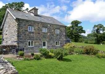 Ty Mawr Farmhouse, Snowdonia National Park  - Llanuwchllyn,