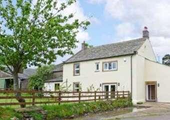 Chimney Gill Farmhouse near the Lake District  - Penrith,