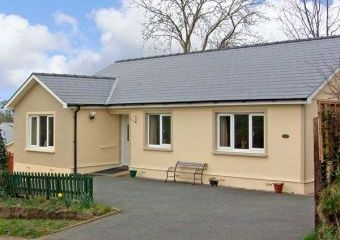 Family-Friendly Holiday Bungalow near Narberth  - Narberth,