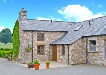 Y Stabal Holiday Barn, North Wales  - Llandegla,