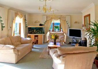 Domecilia Holiday House  - Cosheston,