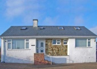 Dog-Friendly Coastal Cottage near Abersoch  - Mynytho,