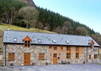 Y Sgubor Holiday Barn  - Llangynog, Builth Wells,
