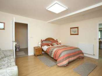 Pet friendly self catering cottages in Rhayader, Powys, Wales