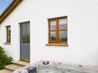 Exclusive cottages in Bude Cornwall with hot tub