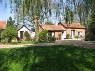 self-catering studio for 2 people in a lovely setting near Woodbridge in Suffolk