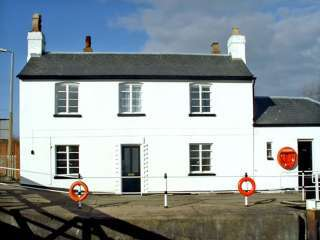 The Lock House Pet-Friendly Cottage, Gloucester, Cotswolds , Gloucestershire,  England