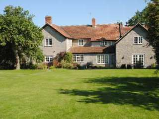 Gray Manes - a lovely 5* blue-lias stone house in grounds of 2 acres