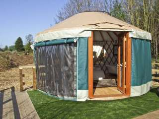 The Lakeside Yurt Dogs-welcome Cottage, Cotswolds