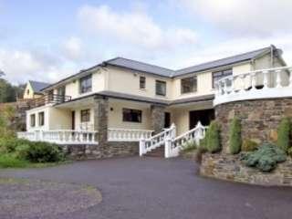Castle Lane House with Pool, Ireland