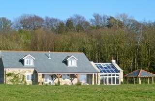 Luxurious detached 5* Gold, 6 bedroomed cottage with panoramic views