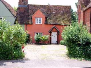 Cosy romantic holiday cottage near London