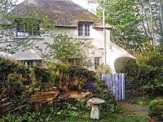 Lovely country cottage sleeps 4