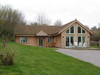 Pine lodge self-catering country cottage in Somerset