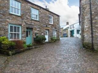 Cobble Pet-Friendly Village Cottage, Cumbria & The Lake District