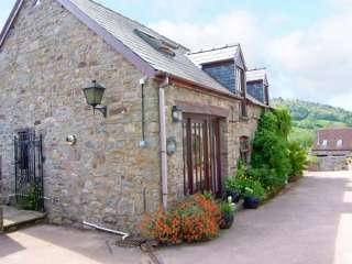 Caecrwn Pet-Friendly Barn Conversion, South Wales