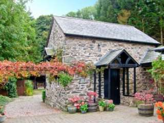 The Old Barn Pet-Friendly Cottage for 2, North Wales