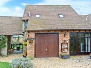 Kitty's Loft Self-catering Cottage, Godshill, South Coast