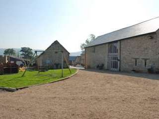 Large Devonshire Barn with Hot Tub