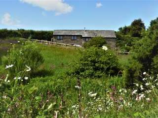 Honeysuckle, dog friendly couples' cottage in South Devon