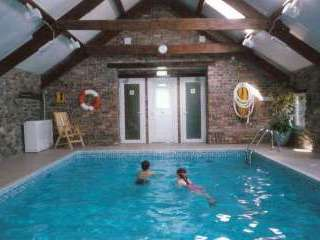 Gwynfryn Farm Cottages with Indoor Pool, Gym and Tennis Court