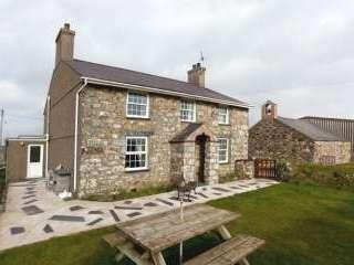 Llawrdref Farm Cottage